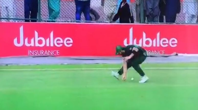 Pakistan sloppy fielding vs Sri Lanka: Watch three Pakistani fielders commit blunders as Sri Lanka get four overthrows
