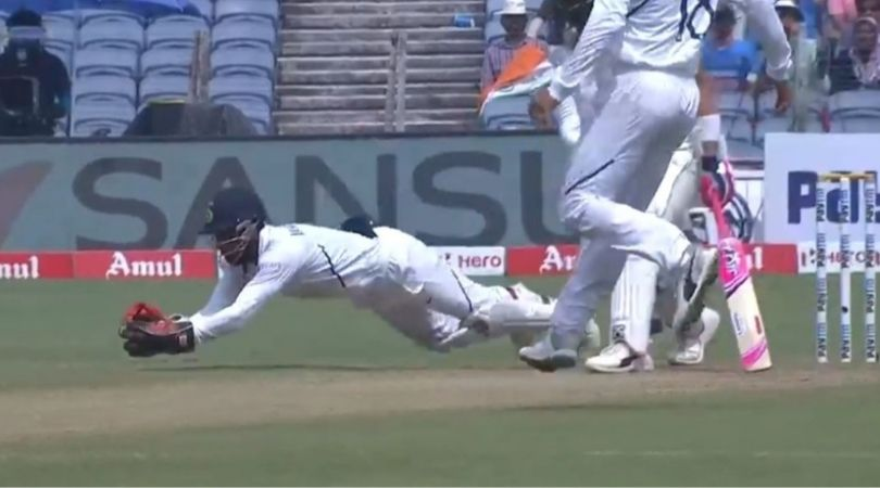 WATCH: Wriddhiman Saha grabs first-rate juggling catch to dismiss Faf du Plessis