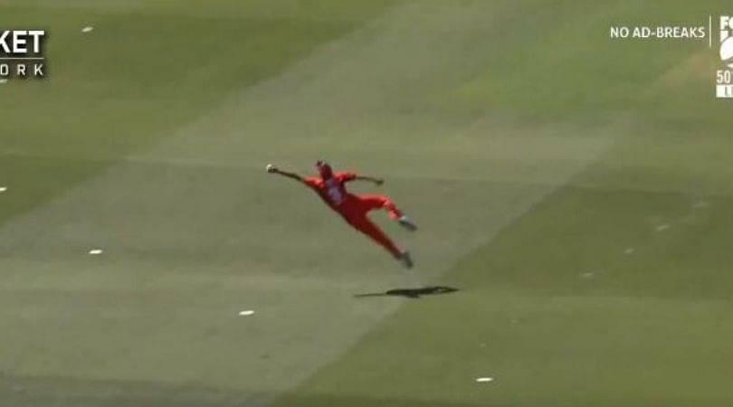 Cameron Valente grabs sensational catch from Peter Handscomb's shot