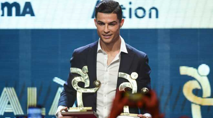 Cristiano Ronaldo waited until his win was announced before entering Serie A awards ceremony