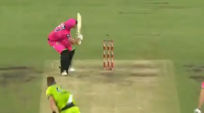 Sixers vs Thunder Super Over: Watch Moises Henriques hits peculiar six off Chris Morris in BBL 2019