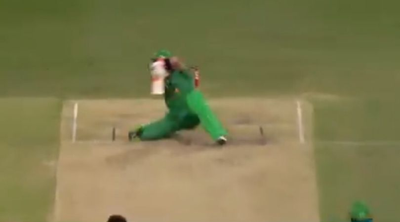 WATCH: Glenn Maxwell sits down and slashes Wes Agar for unbelievable six in BBL 2019