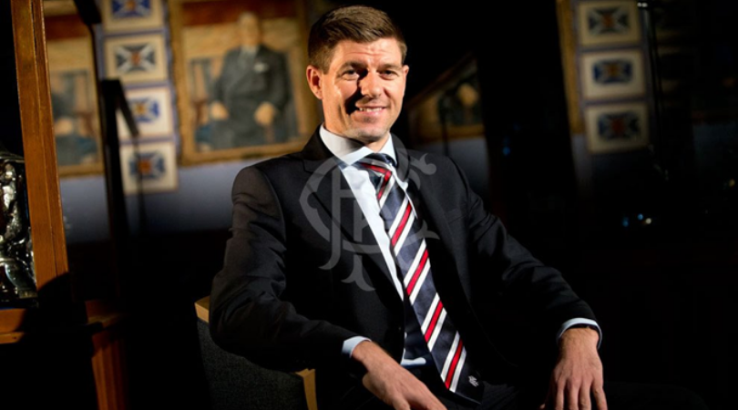 Steven Gerrard takes a dig at Manchester United ahead of the Old Firm Derby