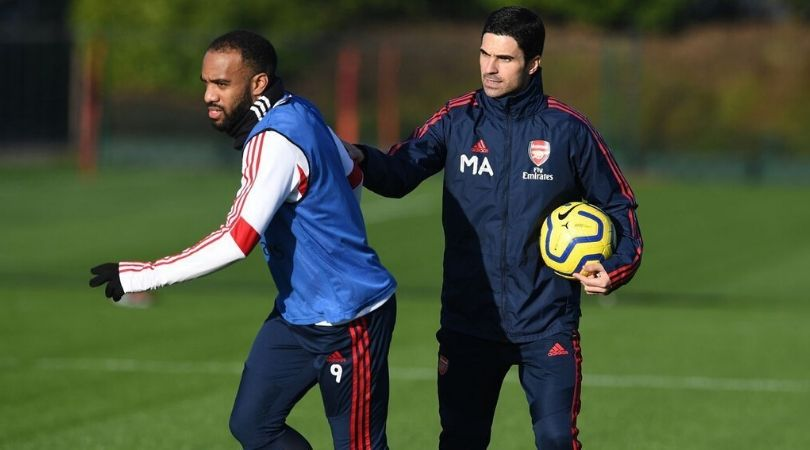 Mikel Arteta instructs Alexandre Lacazette to not do flicks in Arsenal training