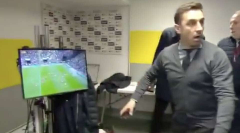 Watch Gary Neville and Jose Mourinho's hilarious reactions to David De Gea's howler