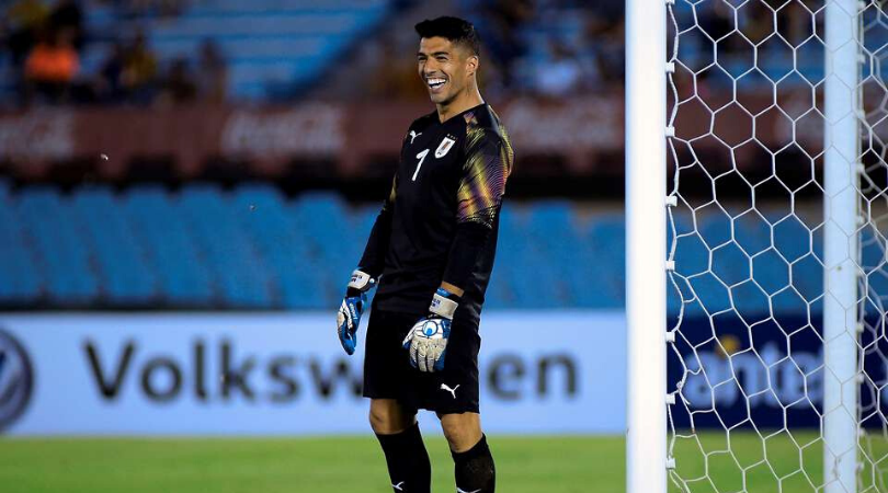 Watch Luis Suarez played as a Goal Keeper during Diego Forlan's farewell match