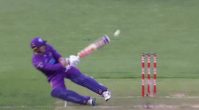 WATCH: George Bailey plays falling scoop off Gurinder Sandhu in Hurricanes vs Thunder BBL match