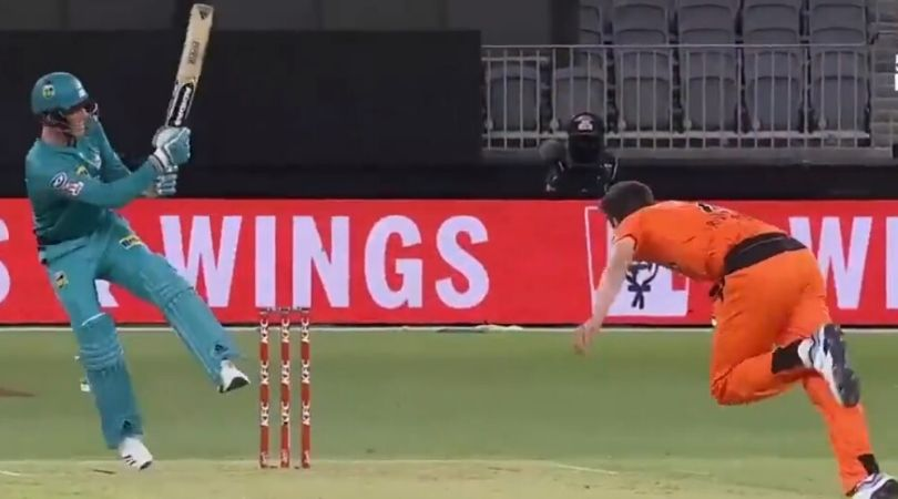 WATCH: Tom Banton ramps Jhye Richardson for gigantic six over wicket-keeper's head in BBL 2019-20