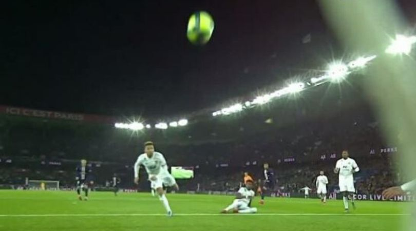 Lyon embarrasses itself with most outrageous own goal against PSG