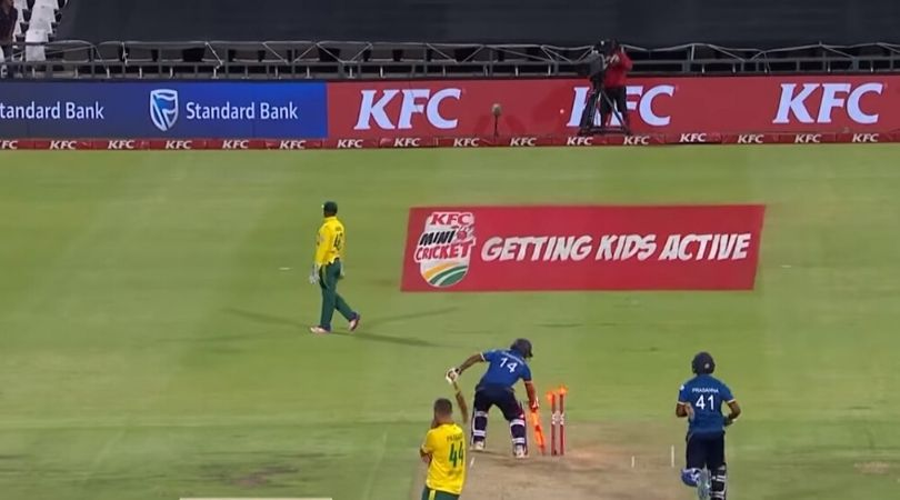 WATCH: Asad Gunaratne hilariously grabs stumps before winning Cape Town T20I vs South Africa