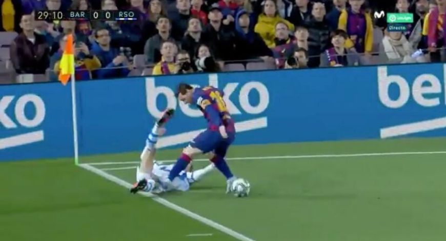 Lionel Messi stamp on Mikel Merino should have cost him red card; social media claims