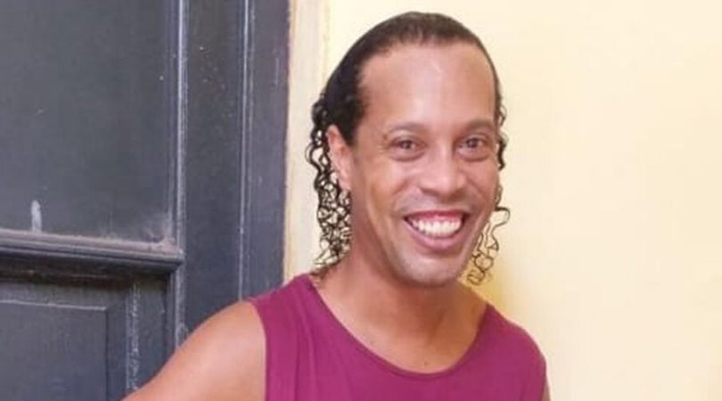 Ronaldinho's first picture emerges from inside prison in Paraguay