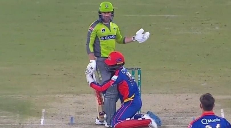 WATCH: Chadwick Walton hilariously grabs Ben Dunk in PSL 2020