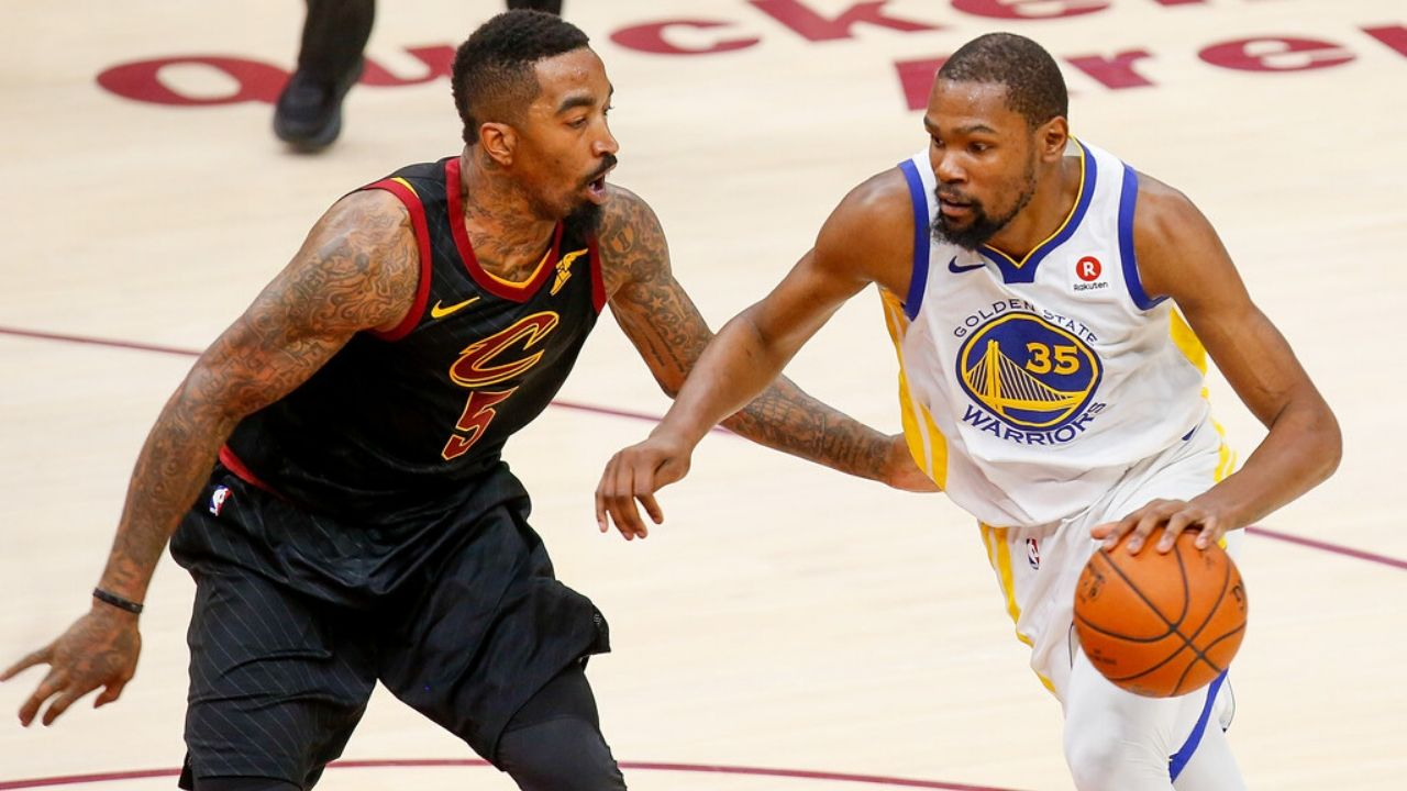 """""""Steph Curry has such great gravity JR Smith gave Kevin Durant open dunks!"""": How Warriors superstar's legendary off-ball game confounded LeBron James and co"""