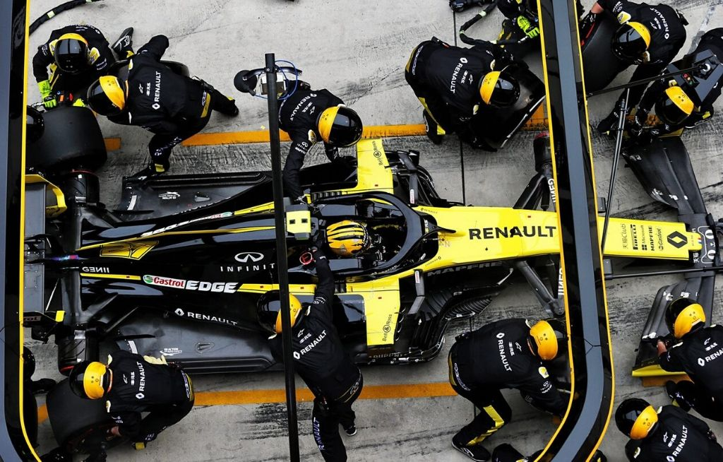 F1 Mechanic Salary How Much Does An Average F1 Mechanic Makes From The Sport The Sportsrush
