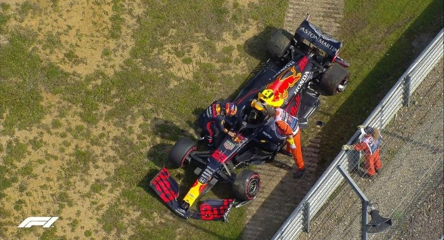 """""""I don't understand the criticism of Albon""""- Red Bull F1defends Alex Albon after Lewis Hamilton remarks"""