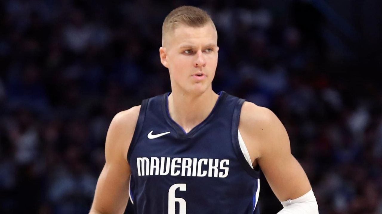 Is Kristaps Porzingis playing tonight vs Clippers