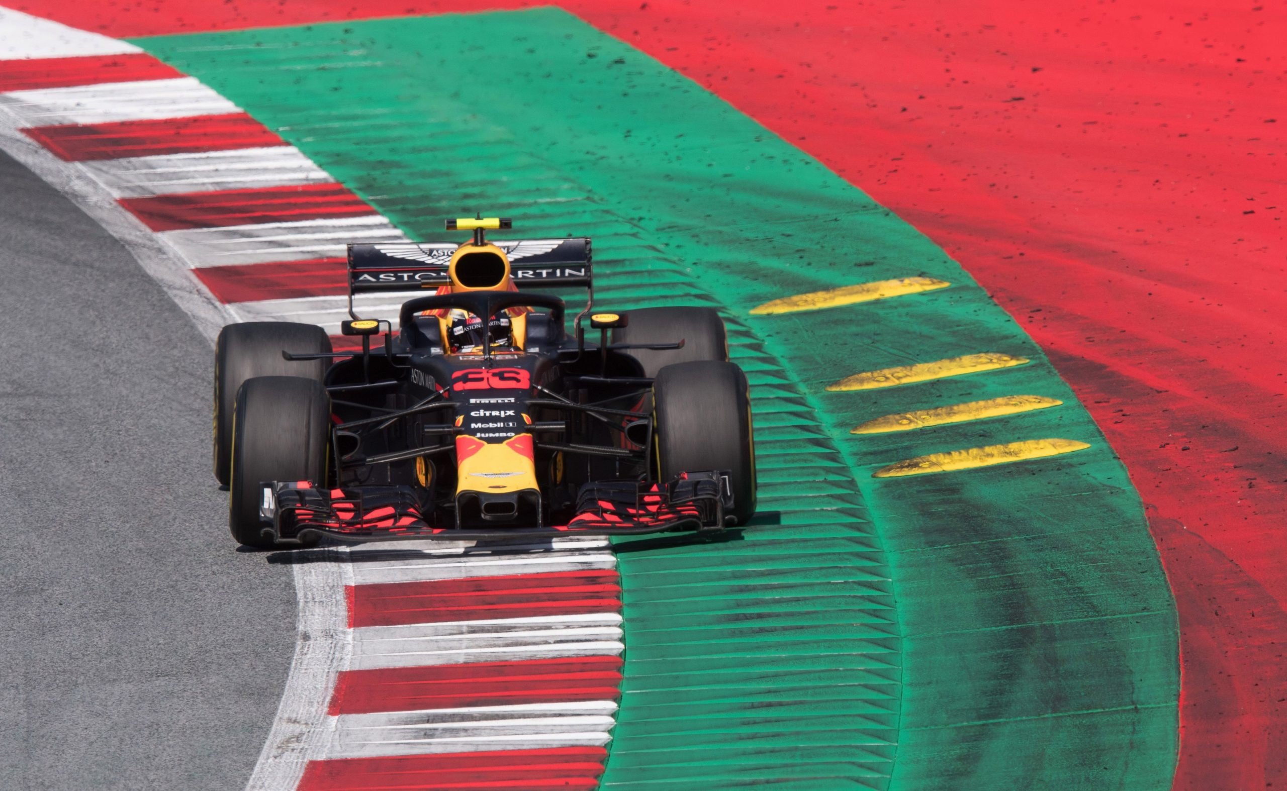 Kerbs F1: What is the use of kerbs in F1; what is a sausage kerb?