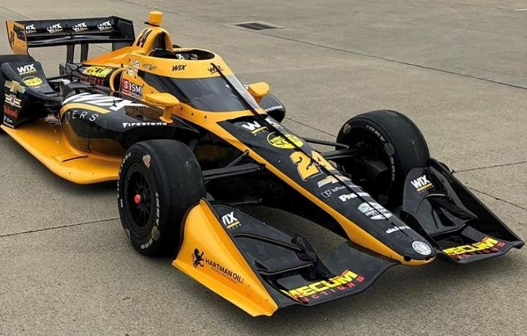How fast do Indy 500 cars go