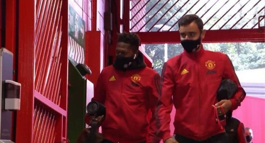 Manchester United Face Mask: Where to buy Manchester United masks?