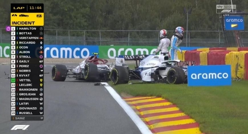 George Russell-Antonio Giovinazzi Crash: Watch two F1 drivers crashing and leaving massive debris on track