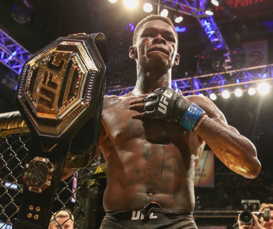 Israel Adesanya Eases Past Paulo Costa at UFC 253: Watch the Incredible Strike By Stylebender That Took Down Costa