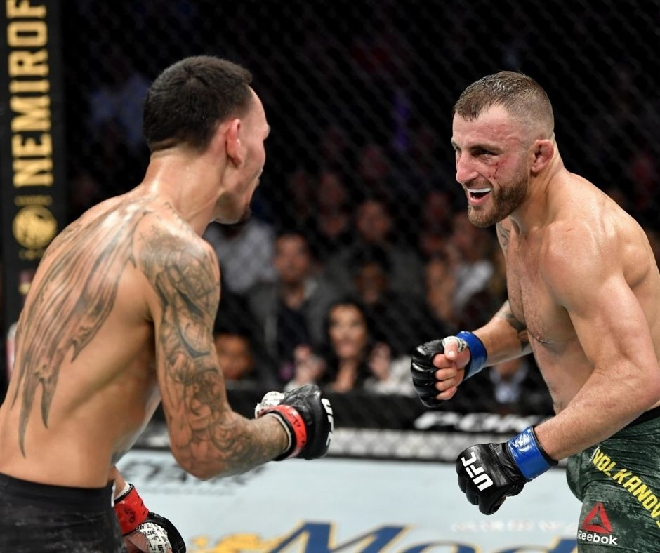 """""""Could Definitely Happen""""- Alexander Volkanovski Opens Up About a Potential Trilogy Fight With Max Holloway"""