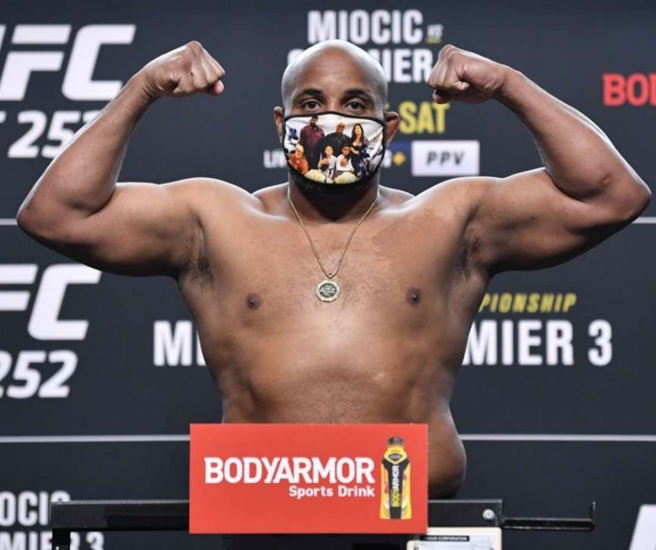 """""""That's Not An Excuse At All""""- Daniel Cormier Reveals He Battled Covid-19 in The Weeks Leading Up To Trilogy Fight"""