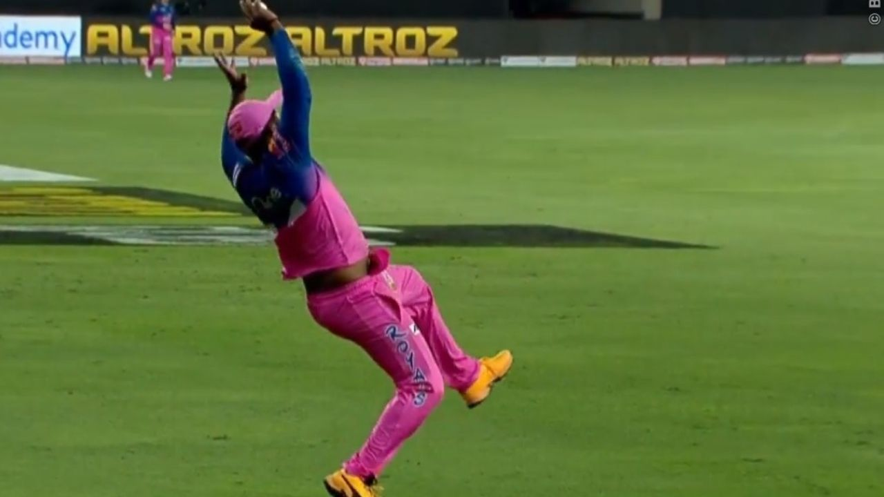 Sanju Samson catch vs KKR: Rajasthan Royals player grabs excellent take to dismiss Pat Cummins in IPL 2020