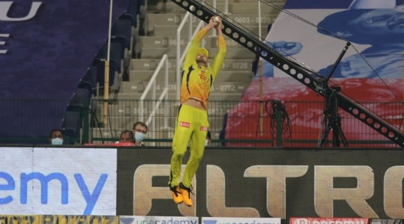 Faf du Plessis catches vs Mumbai Indians: CSK fielder grabs terrific boundary catches to dismiss Saurabh Tiwary and Hardik Pandya