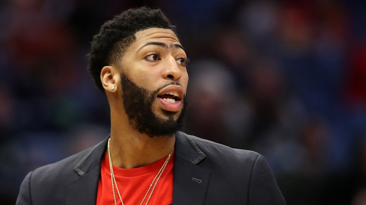 Anthony Davis Free Agency : Anthony Davis not expected to sign right away, will make Lakers wait
