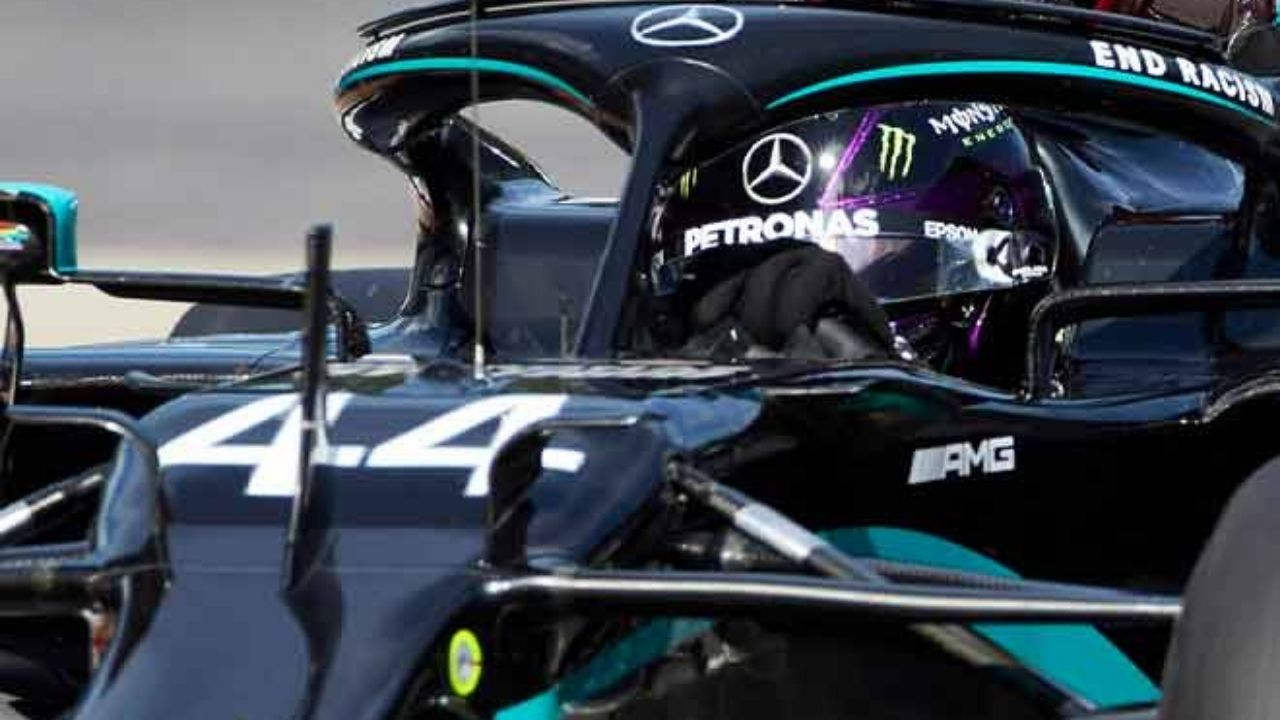 """""""Were you not able to fix my steering wheel""""- Lewis Hamilton complains about poor condition of steering wheel"""