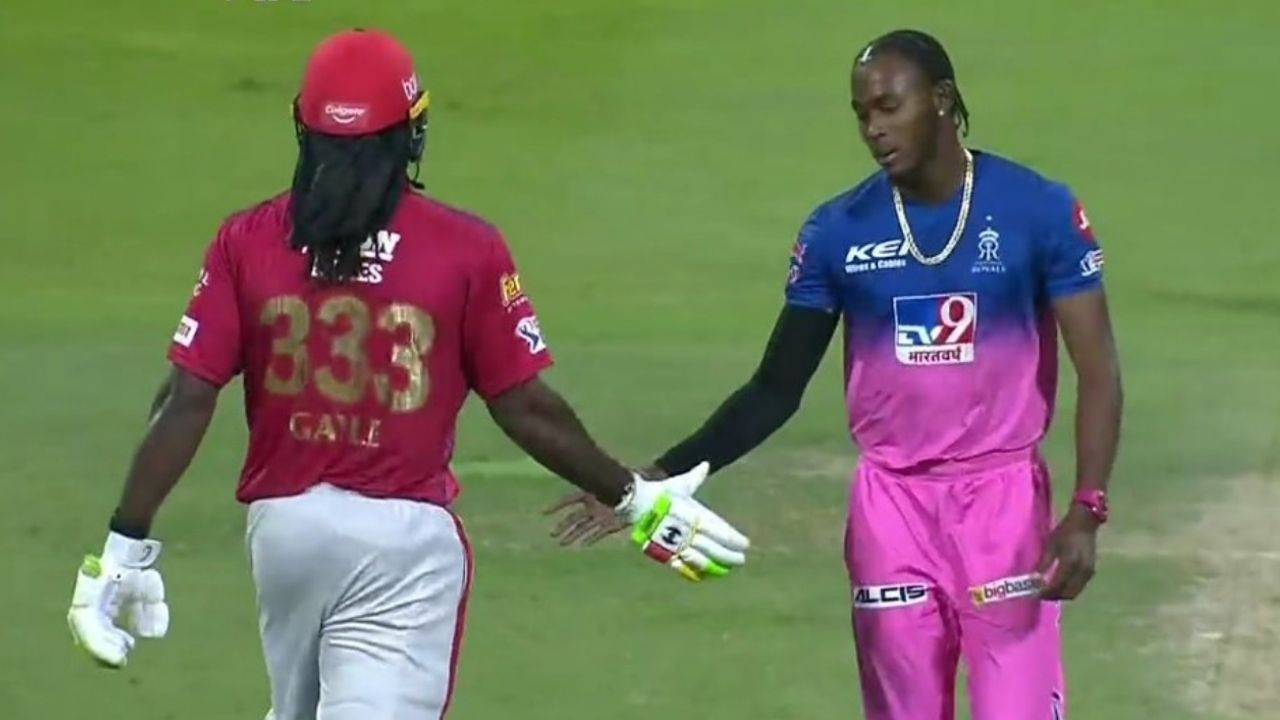 Chris Gayle angry: Watch KXIP batsman loses his cool after missing century; shakes hand with Jofra Archer later