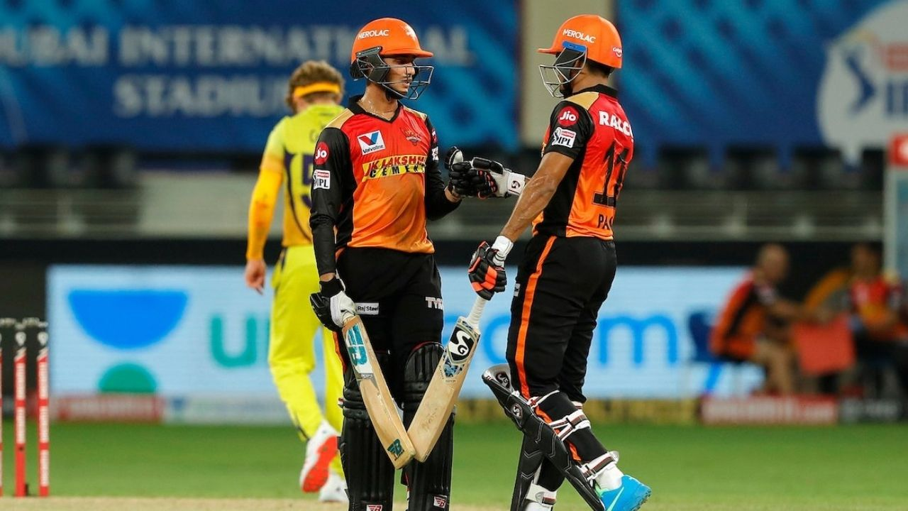 Garg cricket: Twitter reactions on Priyam Garg and Abhishek Sharma's 77-run partnership vs CSK