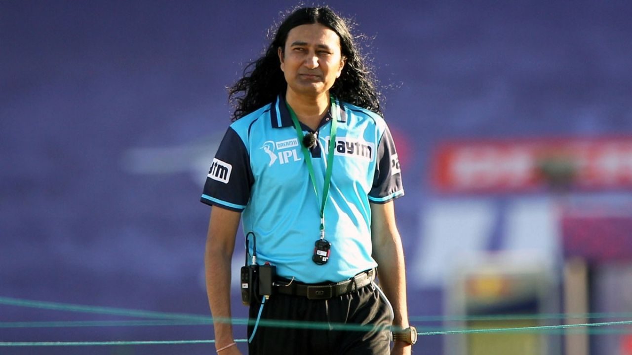 List of umpires in IPL 2020: Who is the long hair umpire in today's KKR vs DC IPL 2020 match?
