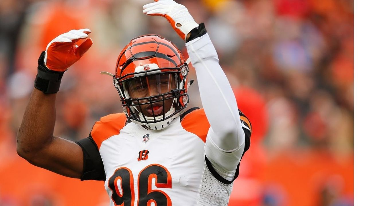 NFL trade News : Seahawks trade for Bengal's edge rusher Carlos Dunlap