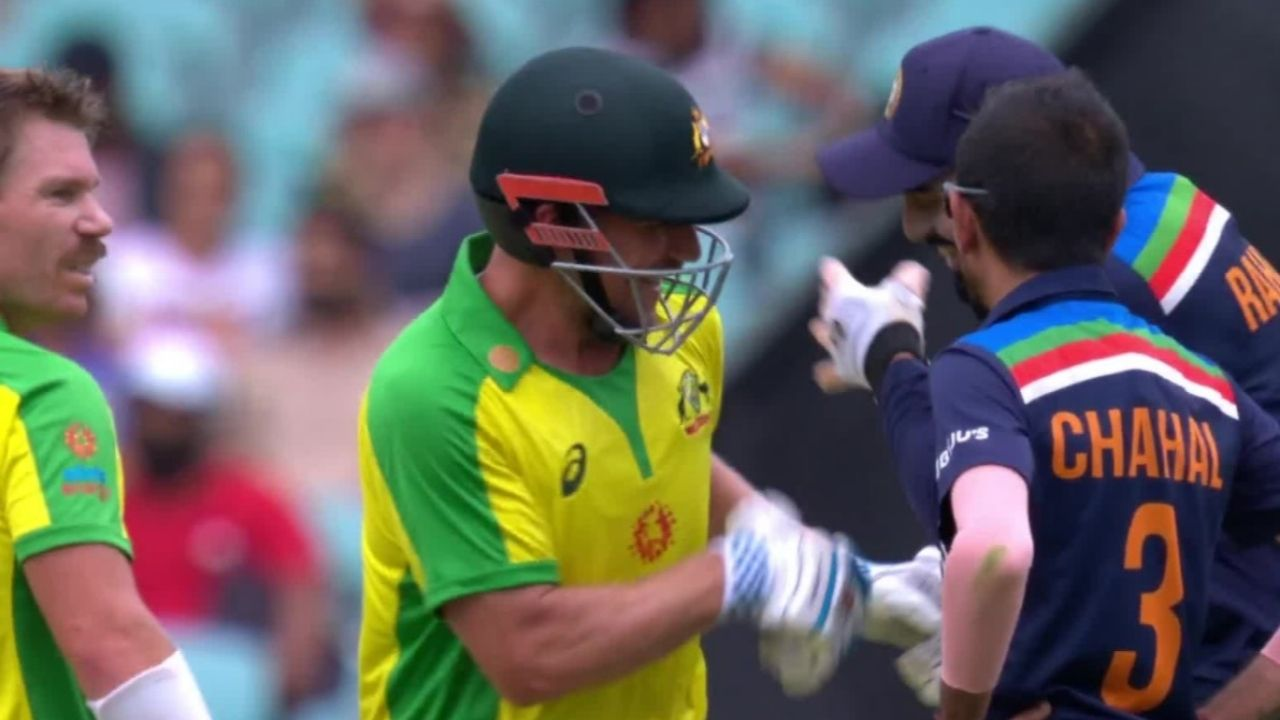 KL Rahul jokes around with Aaron Finch after Navdeep Saini's bouncer hits him on stomach