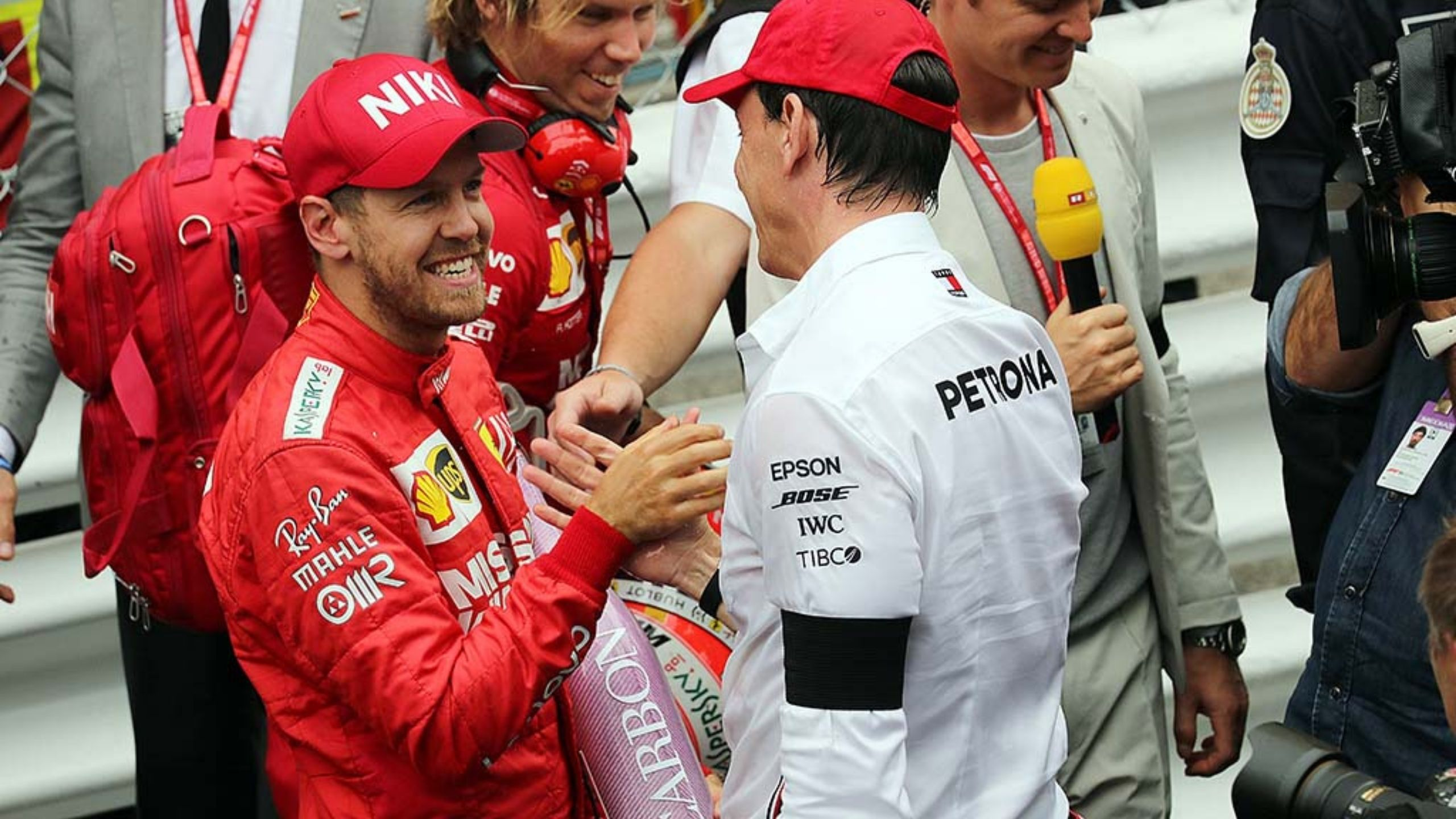 "Sebastian Vettel to Mercedes: ""If I had the chance to drive a Mercedes myself, I wouldn't say no"""