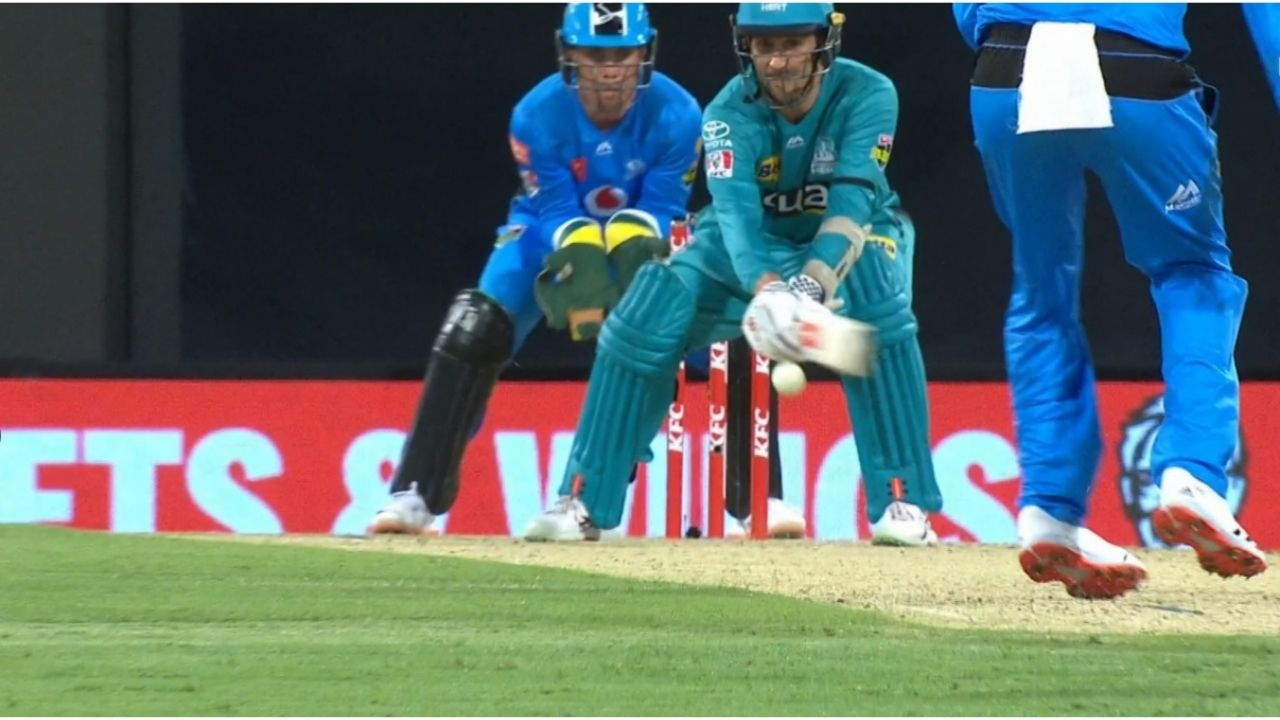 DRS in cricket BBL 10: Disastrous umpiring decision sends back Tom Cooper in Heat vs Strikers clash