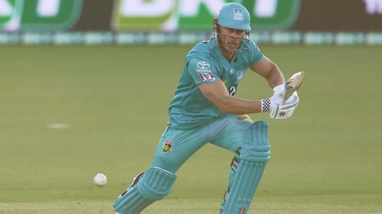 Why is Chris Lynn not playing today's BBL 2020-21 match vs Adelaide Strikers?