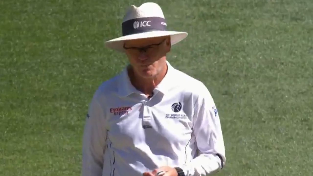 Umpires Black Armbands: Why are the umpires wearing black armbands in Australia vs India MCG Test?