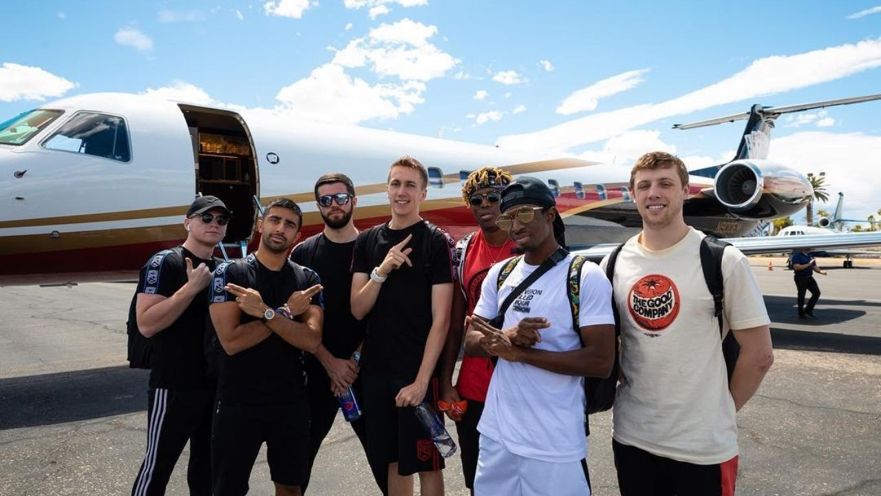 """Creature was shit"", Josh hilariously trolls KSI as Sidemen play Among Us with Proximity Mod."