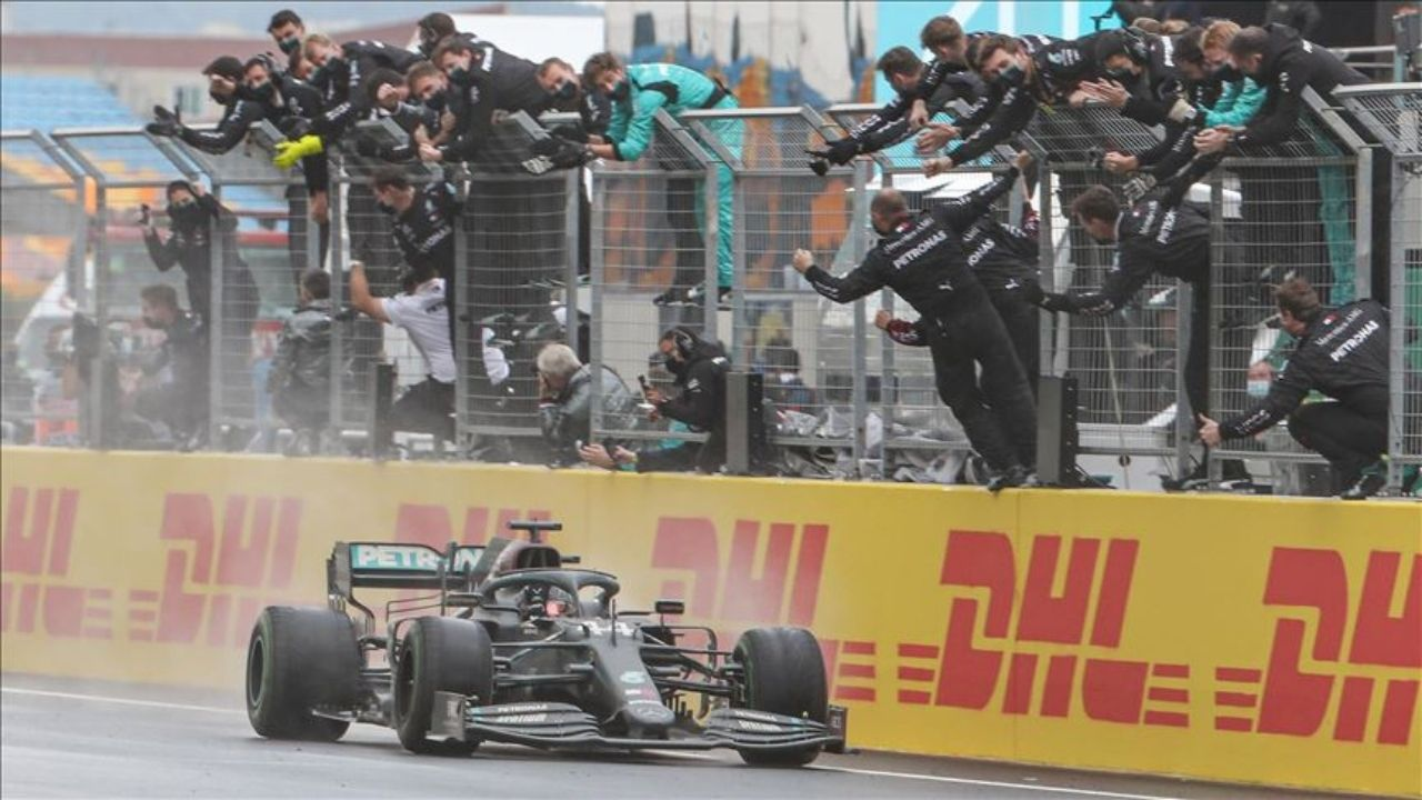 """""""I would say that for me was my stand-out performance""""- Lewis Hamilton points out his performance of the year"""