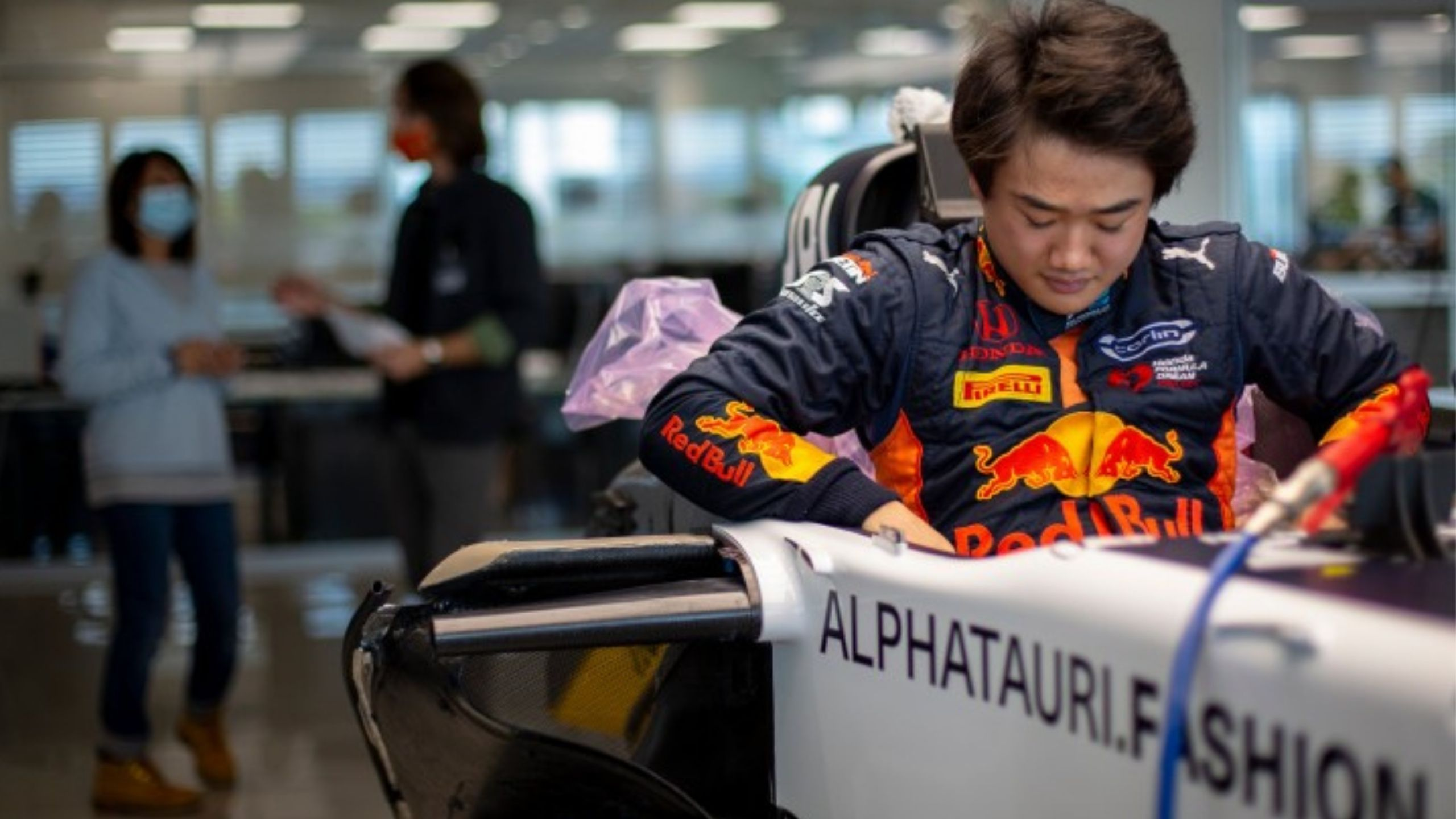 """""""He is a funny character"""" - Pierre Gasly bonding extremely well with new Alpha teammate Yuki Tsunoda"""