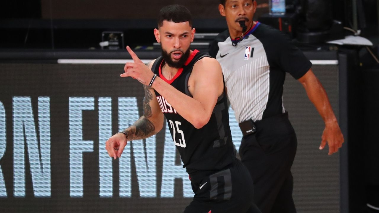"""""""Teammates think Austin Rivers is invisible"""": Newly signed Knicks guard ignored for open 3-pointer in debut game against Raptors"""