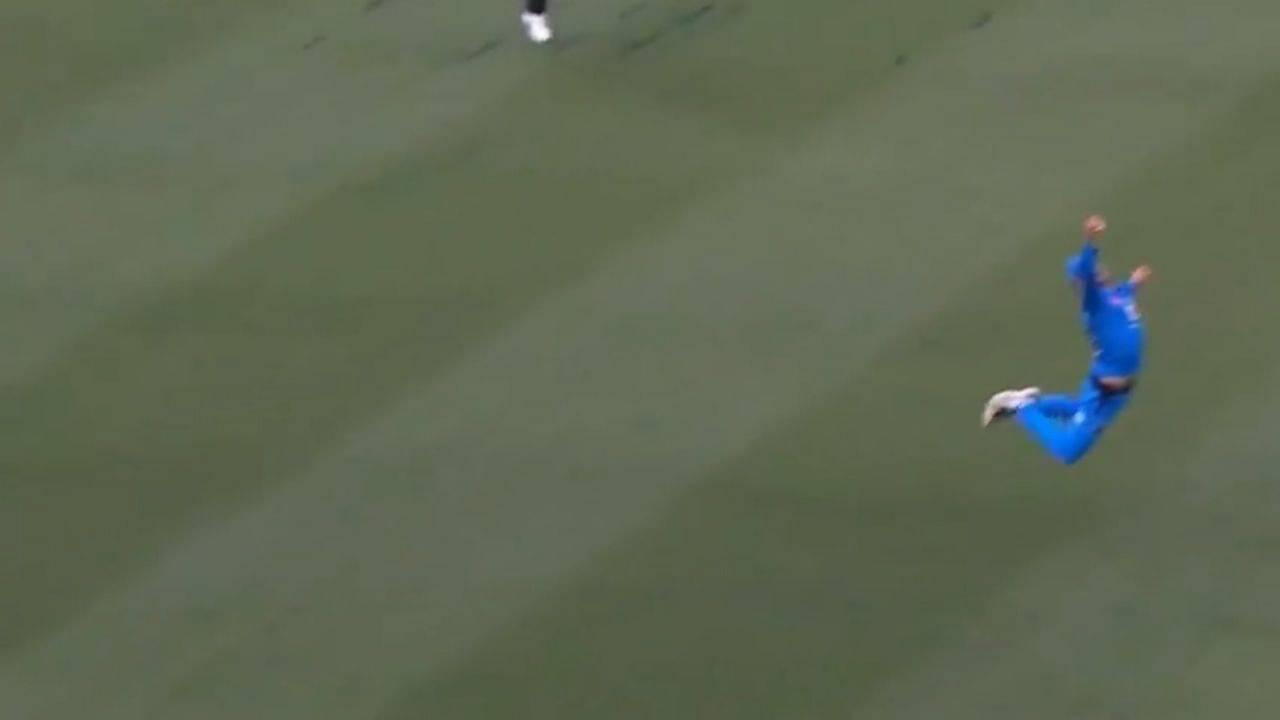 Jake Weatherald catch today: Watch Strikers batsman grabs fantastic diving catch to dismiss Alex Ross in BBL 10
