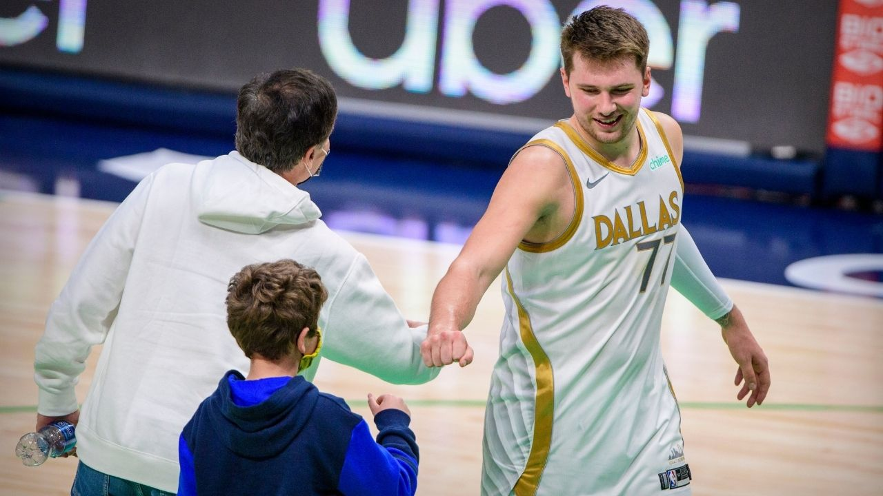 """""""I'm going to need some of those cards"""": Mavs' Luka Doncic has a hilarious reaction upon learning that his rookie cards sell for over $50,000"""