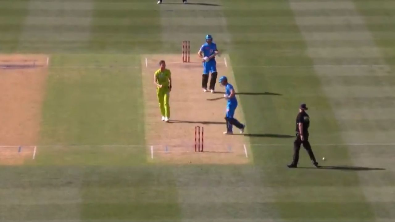 Travis Head run-out: Watch Adelaide Strikers captain's peculiar dismissal vs Sydney Thunder in BBL 2020-21