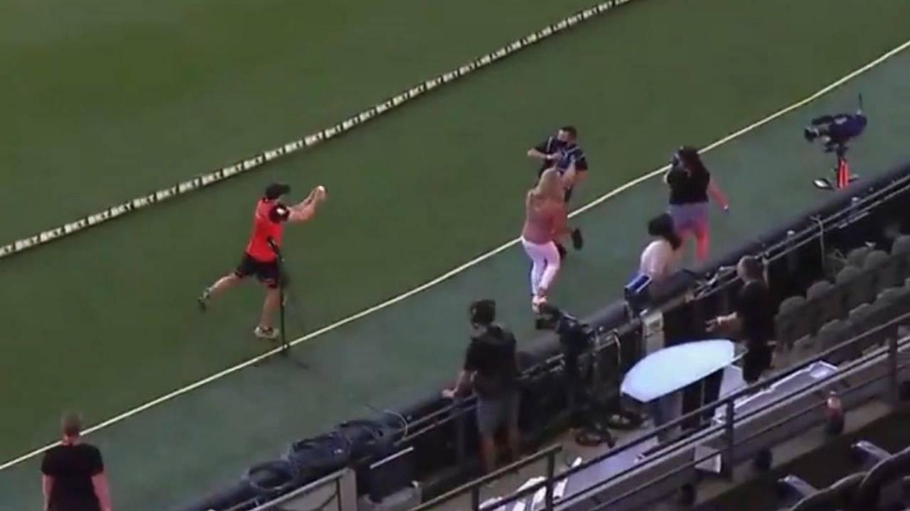 Michael Klinger: Melbourne Renegades coach puts nomination for Big Bash League crowd catch at the Docklands Stadium