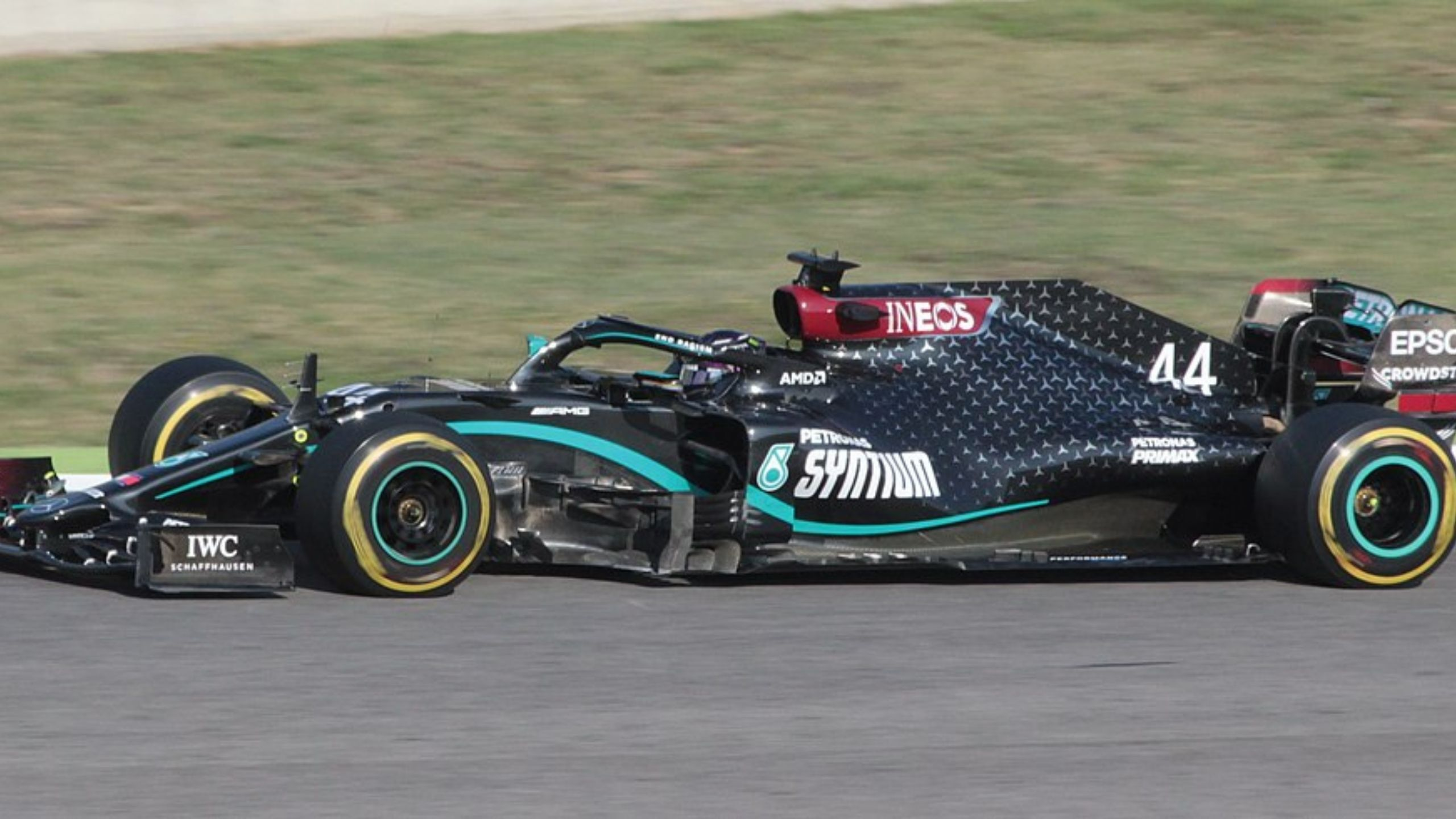 """""""It is a piece of art"""" - Sir Lewis Hamilton pays tribute to the unstoppable Mercedes W11"""